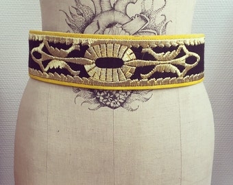 Vintage 70s embroidered belt