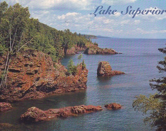 Vintage Lake Superior Shoreline (U.S. side). Unused Post Card