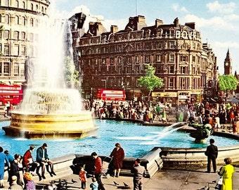 British Postcard, Trafalgar Square, London England, 70s Postcard, Vintage Bus, Double Decker Bus, 70s Fashion, Unposted, Travel Postcard