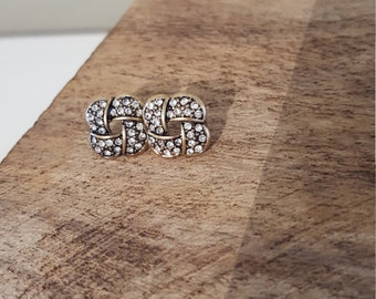 Diamond pattern earrings