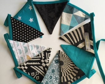 black and blue duck pennants/flags in tissue Garland