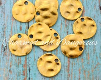 10 Gold Hammered Disc charms (CM240)