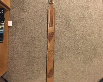 Handmade leather guitar strap