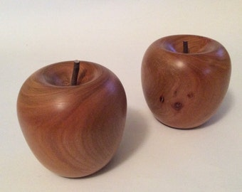 Turned timber apples