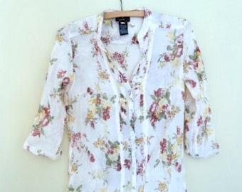 Pale pink blouse patterned flowers. Vintage Dex. Summer blouse