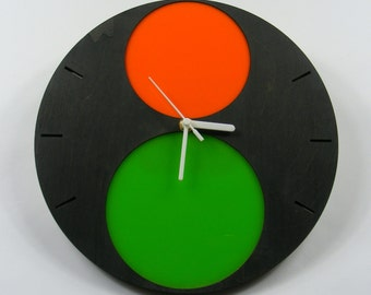 Traffic Light Plywood and acrylic clock.
