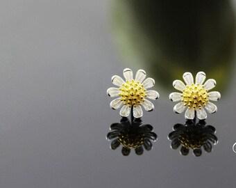 sterling silver daisy stud earrings, daisy flower stud earrings, daisy earrings, daisy flower earrings,gold daisy earrings,gold daisy flower