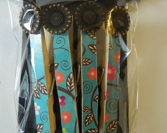 Set of 4 magnetic altered cloths clips, message boards, college dorms,