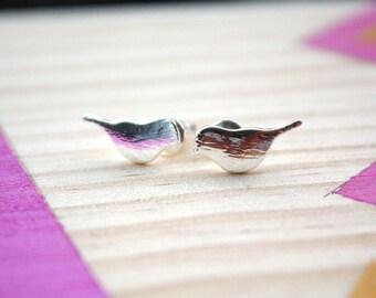 Boucles d'oreilles petits oiseaux | doré et argenté | Joli bijou minimaliste moineau | Kawai | Cadeau mignon pour femme| anniversaire