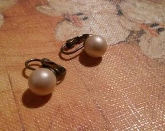 Vintage faux Pearl Clip on Earrings