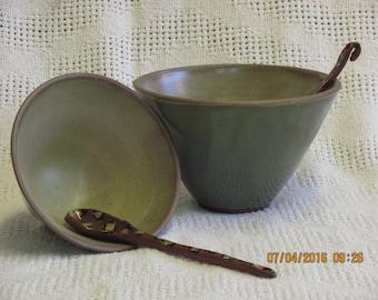 קערות עם כף Bowl with spoon