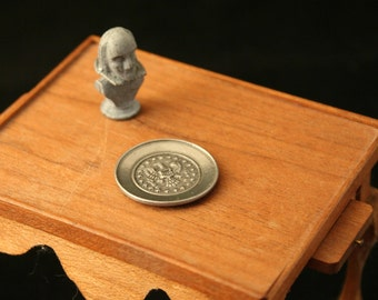 "Miniature Metal Bust of Shakespeare   and  ""Silver"" Tray with the US Seal"