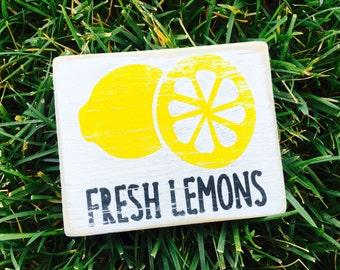 Freah lemons- summer decor- lemonade-rustic
