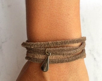 Polyva Choker Bracelet /// Natural dyed suede brown