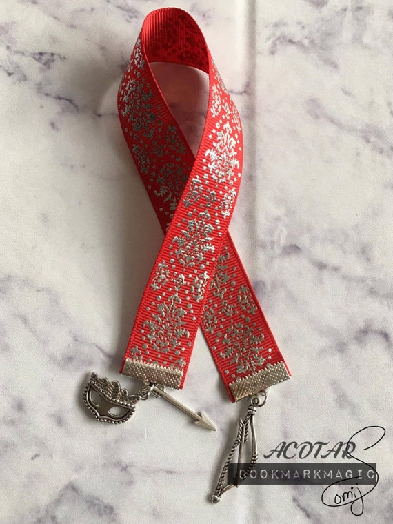 https://www.etsy.com/de/listing/488275157/ein-gericht-dornen-und-rosen-bookmark?ga_order=most_relevant&ga_search_type=all&ga_view_type=gallery&ga_search_query=acotar&ref=sr_gallery_40
