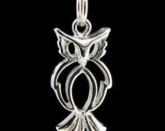 Sterling Silver Owl Pendant & Chain