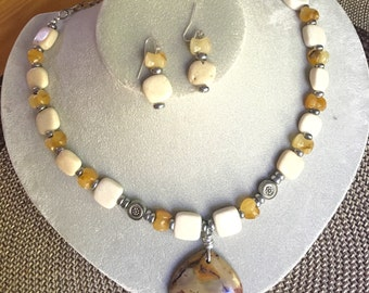 Earth Toned Statement Necklace & Earring Set