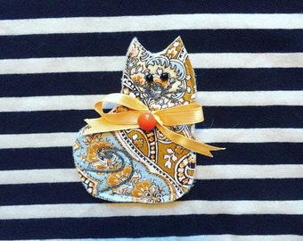 Pretty Kitty Brooch