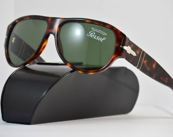 Tortoise Persol sunglasses Wayfarer style with Case