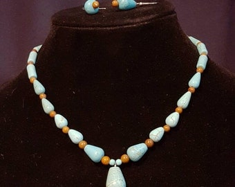 Magnesite Pendant Necklace with Earrings