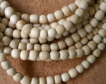Wood Beads/ Natural Wood Beads/ Light Wood Beads/ Handcrafted Wood Beads / One String BE117