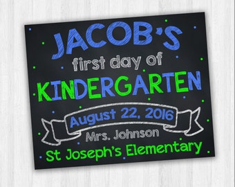 First Day Of Kindergarten, School Signs, Back To School Signs, Kindergarten Signs, Grade School Signs, 1st Day Of School, Starting School