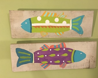 2 Funky Fish on Distressed Wood // Wall Art // Whimsical Fish // Wall Hanger // Recycled Wood