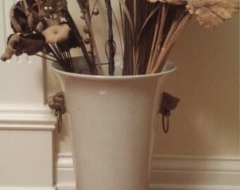 Cream ceramic vase/pot