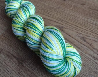 100g self-striping sock yarn DAFFODIL