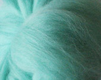 Merino Wool top fibre, dyed Aqua roving, 100g, Needle felting, wet felting, spinning, Aqua