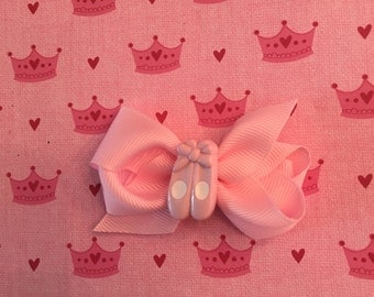 Hair bow with ballet slippers