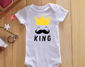 King baby bodysuit, baby boy onesie, funny onesie, cute baby clothes, newborn clothing, newborn boy outfit, baby boy bodysuit, baby gifts