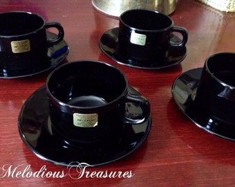 Set of 4 Vintage Arcoroc Black Demitasse Espresso Cups and Saucers - retro black tableware - Made in France -