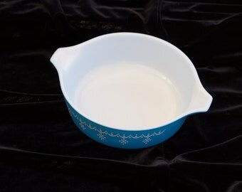Pyrex, Snowflake Collection, 1 pt Bowl, Number 471