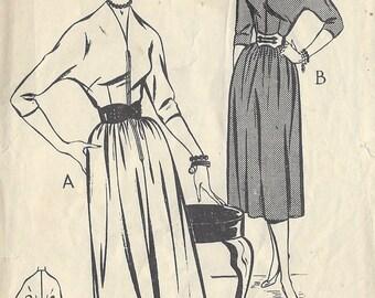 1950s Vintage Sewing Pattern B34 DRESS (R768)  Style 1021