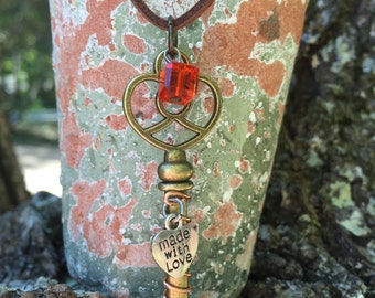 Skeleton Key Antique Bronze Christian Heart Necklace