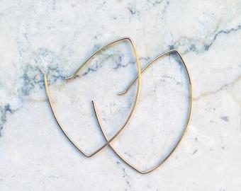 Earring / gold plated / hoop earrings / hoops / modern / 935 silver