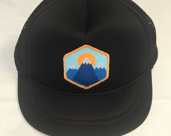 Infant Trucker Hat - 3 Mountains Patch - Baby black Cap