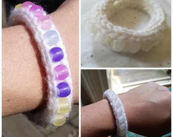 KIT: Make Your Own Knit Bracelet with UV-Sensitive Beads