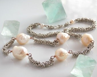 Chainmaille Pearl Necklace, Pink Baroque Pearl and Chainmail Necklace, Sterling Silver Byzantine Chain with Kasumi Style Ripple Pearls