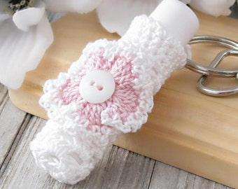 Crochet Keychain Lip Balm Cozy, Keychain Lip Balm Holder, White Cottage Chic Crochet Lip Balm Keychain Cozy with Pink Daisy