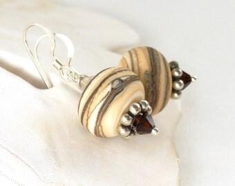 Neutral Lampwork Earrings, Artisan Lampwork, Mocha Swirled Earrings, Art Glass Earrings, Glass Bead Earring, Beige Earrings, Sandi