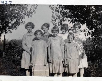 vintage photo 1927 Little Girls Flapper Bobbed Hair Cotton Drop Waist fashion dresses
