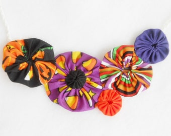 Halloween Necklaces Christmas Autumn Fall YOUR CHOICE YoYo Quilt Fabric Necklace Yo Fiber Art Bib Statement Holiday Necklaces