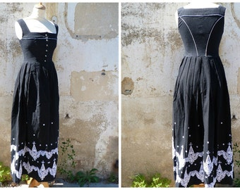 Vintage 1970 Tyrol Austria trachten dirndl folk black & white long floral dress size XS