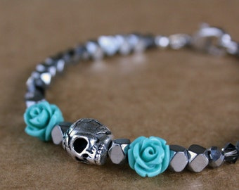 Skull Bracelet, Valentine Gift, Charm Bracelet, Dark Romance, Skull Jewelry, Gift For Girlfriend, Gift For Wife, Gift For Her, Valentine