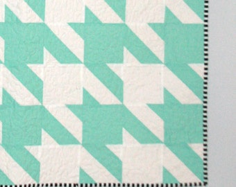 Aqua and White Houndstooth Quilt