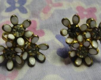 Vintage White Enamel Flower Rhinestone Screw Earrings