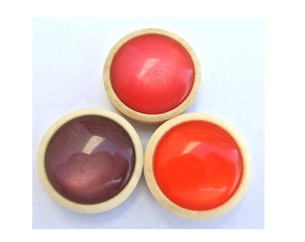 18 Vintage trim buttons in 3 colors 20mm,  6 buttons of each color