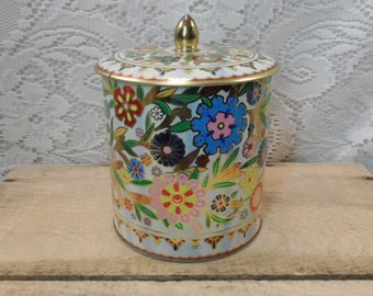 Tin By Daher / flowers